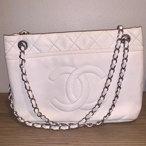 Chanel Grand Caviar Shoulder Bag
